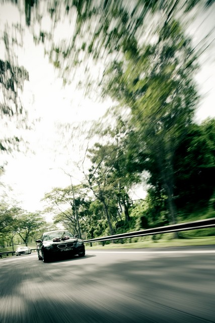 Raymond Phang Photography - signature motion car shot on wedding day