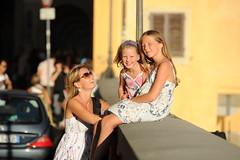 Dutch Girls in Florence (marcoderksen) Tags: italy florence lola zomer tuscany firenze nina toscane italie 2010 gerjanne