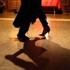 Dmonstration de Lucila et Joe 17 (masalegria) Tags: joe mai corbata 2008 printemps bal milonga lucila tangoargentin carrouge cionci msalegra albansublet