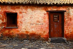 Textures of Uruguay (kees straver (will be back online soon friends)) Tags: auto old travel light shadow red orange house abstract color art texture window southamerica nature car stone wall uruguay colonia sacramento coloniadelsacramento canoneos5dmarkii keesstraver fallingapart