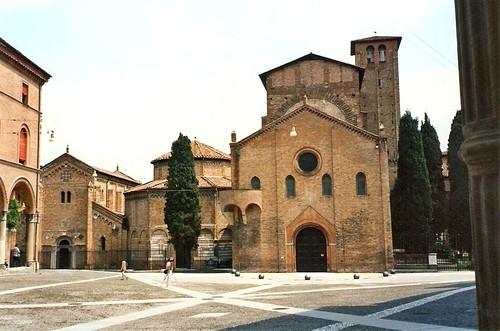 Bologna, Piazza le sette chiese, Santo Stefano