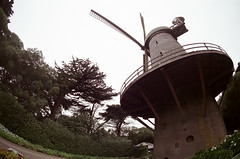windmill (Terry Barentsen) Tags: sf sanfrancisco color film windmill 35mm canon photography photo fuji photographer bayarea a1 fd planetearth 400h terryb wwwterrybarentsencom terrybarentsen