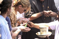 Julia Roberts Praying