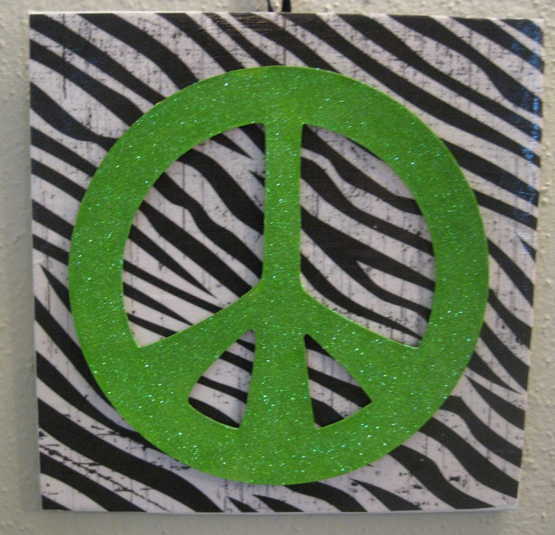 8x8 Wall Hanging Green Peace