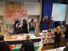 Occupazione del King's College in solidarietà con Gaza