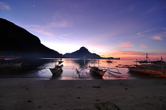 Later Than The Sunset (enggul) Tags: longexposure sunset beach boats foggy shore banca elnido palawan d90 elnidopalawan teampilipinas laterthanthesunset