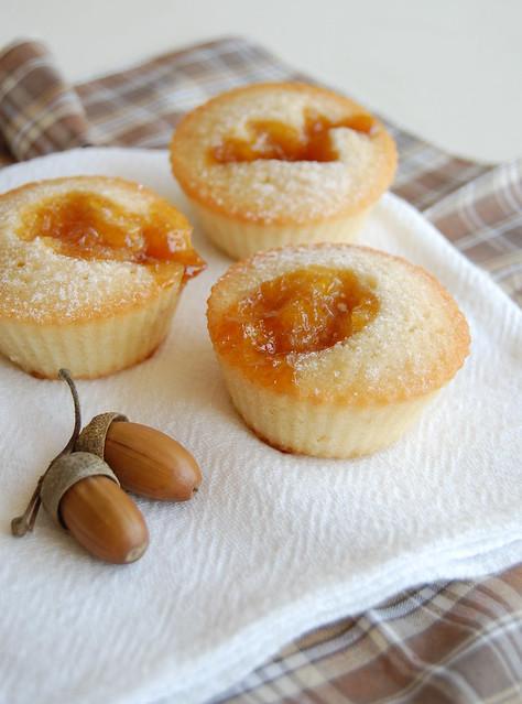 Apricot jam friands / Friands de geléia de damasco