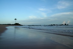 Paradisiacal beach (Popiart) Tags: blue sea beach water azul clouds arbol mar sand rocks escape playa shore palmtree nubes reflexion palmera rocas reflejos orilla solitaria popiart popi1909 capethreepoints paradisiacal cape3points escape3points