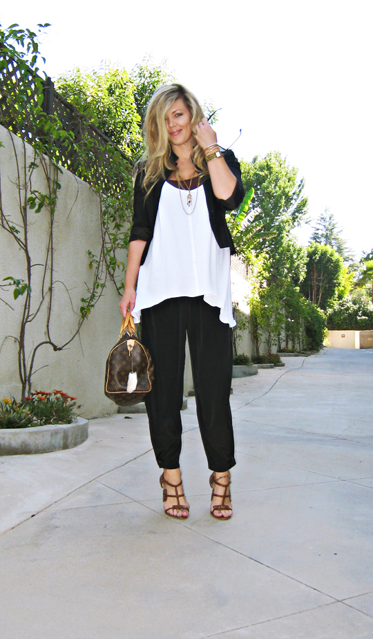 black and white outfit+brown and gold accessories+LAMB heels+Louis Vuitton speedy bag+contrast