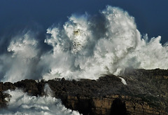 THE POWER OF THE STORM VI /lighthouse-waves /  Foto: Rafael G. Riancho.Faro de Mouro.Santander.Waves-Olas.Lighthouse.Faros tormenta.RAFA RIANCHO / 1903DSC (Rafael Gonzlez de Riancho (Lunada) / Rafa Rianch) Tags: en costa lighthouse storm water de island spain agua eau wasser lighthouses mare waves power cliffs espana una tormenta rafael tempest rocce acqua pioggia olas phare isla vatten santander temporal vesi cantabria gonzlez vand scogliere wellen tempesta lunada sturm fari faros acantilados aton ligthouse tempestad phares isole waterforms meerwasser winkt mouro leuchttrme navigare akvo navigationalaid strmisch navaid lighouses aidtonavigation strmen riancho rafaelriancho rafaelgriancho lighthousesinastorm farosenunatormenta thepowerofstormlighthouses signalisationmaritime rafariancho rafagriancho rafaelgonzlezderiancho