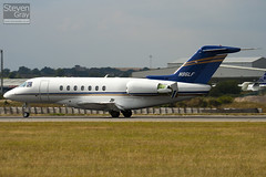 N86LF - RC-18 - Private - Hawker Beechcraft 4000 - Luton - 100802 - Steven Gray - IMG_0890