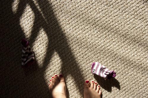 socks, toes