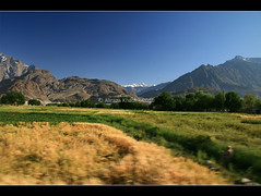 Singing Colors Of My Land (Aliraza Khatri) Tags: images east getty middle gettyimagespakistanq12012 gettyimagesmiddleeast