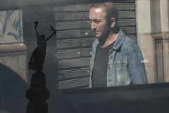 (Gustavo Minas) Tags: street shadow brazil man reflection window statue brasil photography downtown saopaulo centro rua fotografia