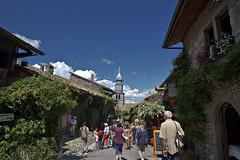 Yvoire tourists [FR] (MyArtistSoul) Tags: france 1022mm yvoire inthevillage switzerlandtrip