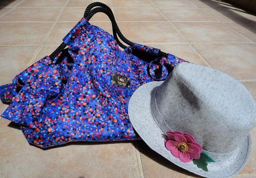 Chapéu e bolsa