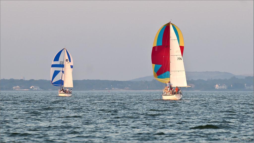 Tachyon sailing