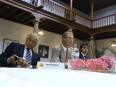 Sr. Martín y representantes de AREAS en Oviedo 31082010