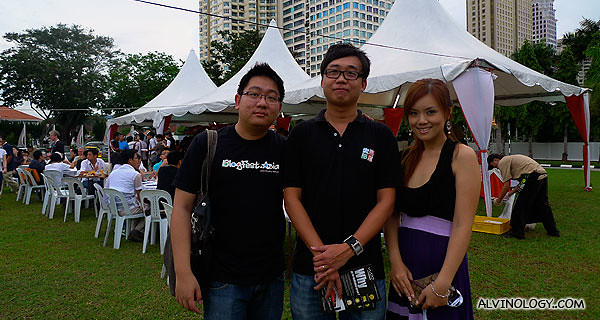 Silver and I with KK, one of the volunteers in the committee who put this event together