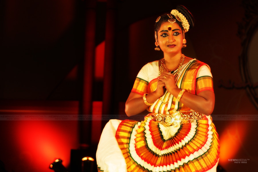 Mohiniyattam by Ruchitha Ravi - Photography by Haree for Nishchalam.