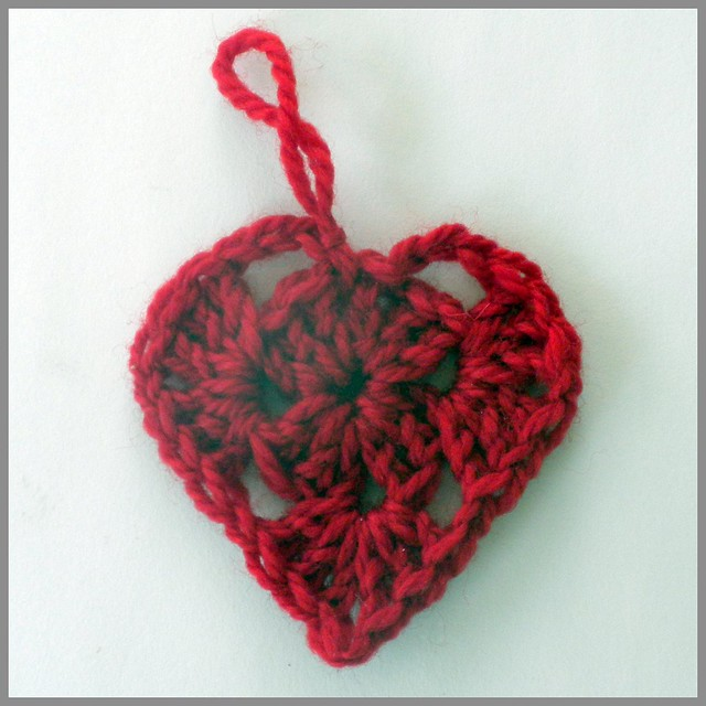 Crochet Granny Square Heart, no border