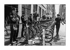 "nyc#100 - ""Fellas! Waiting for me?"" (Nico Geerlings) Tags: ngimages nicogeerlings nicogeerlingsphotography nyc nypd manhattan midtown newyorkcity ny newyorkpolicedepartment streetphotography usa leicammonochrom 28mm elmarit"
