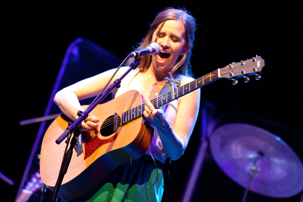 Dirty Projectors: Amber with acoustic