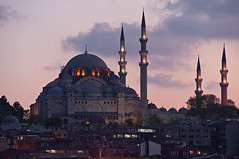 Sleymaniye Camii at Dusk (Viajante) Tags: building architecture turkey islam religion istanbul mosque dome minarets tr islamic