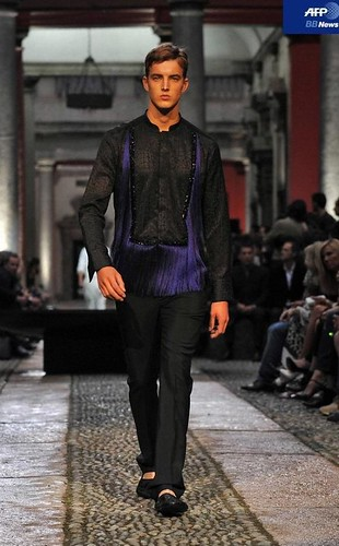 James Smith3136_SS11_Milan_Roberto Cavalli(AFP BB News)