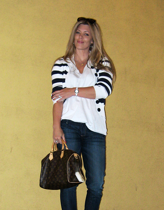 jeans+lace up boots+t shirt+striped cardigan+louis vuitton bag-13