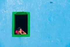 Watching from the window (Eric Wolfe) Tags: blue window azul ventana maya guatemala watching mirando lagodeatitln solol lakeatitln sanjuanlalaguna tzutujil original:filename=20100624452jpg