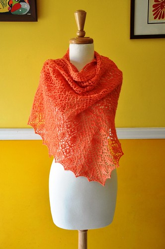 Prairi Rose and Leaf Lace shawl-2