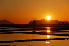 Saline Ettore e Infersa - Marsala - Sicilia - Sicily (Giuseppe Finocchiaro) Tags: sunset sea orange water windmill nikon tramonto mare sicily acqua saline sicilia mulino arancione trapani marsala ettoreeinfersa