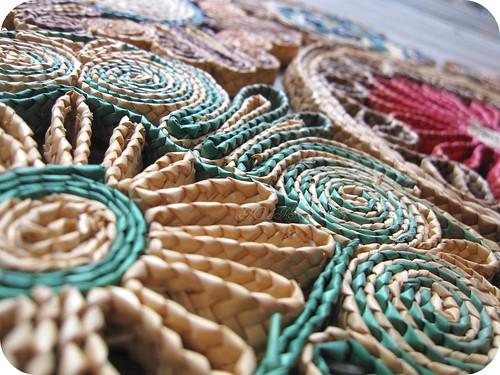 straw trivet detail