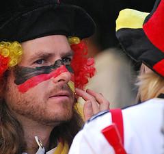 Fifa World Cup 2010 (cosmopolitan photography) Tags: fans kriegsbemalung fifaworldcup2010 cosmopolitanphotography fussballweltmeisterschaft2010