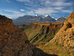 Puca Ventana-Huaraz-Peru (mikemellinger) Tags: red mountains peru window southamerica trek landscape ventana scenery hike snowcapped valley andes gorge huaraz puca ancash cordillerablanca pucaventana