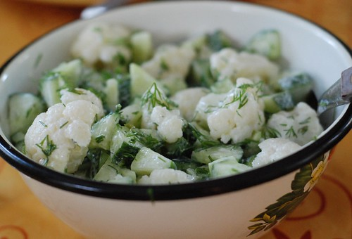 lillkapsa-kurgisalat/cauliflower and cucumber salad
