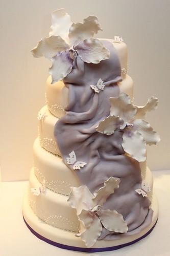 Hochzeitstorte 5 Stockig Mit Xxl Orchideen Lila Flieder A Photo On