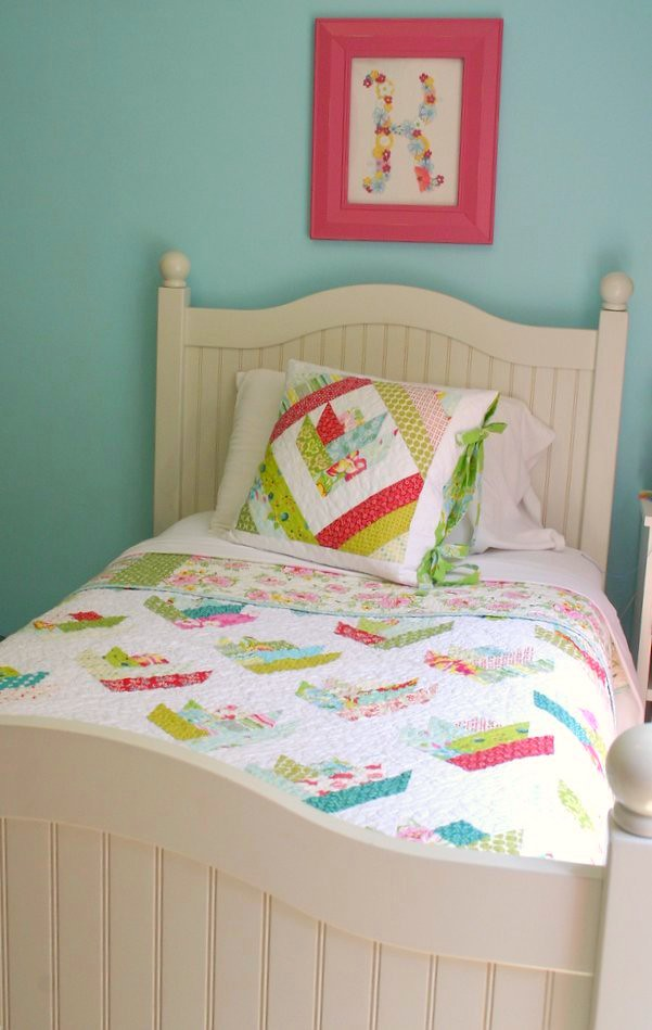 Floral Bouquet Quilt - on bed