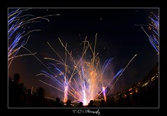 Fireworks (iPh4n70M) Tags: show light paris france work photography photo nikon photographer photographie fireworks boulogne lumière fisheye photograph tc laser nikkor bp 16mm ballade feu artifice balade photographe parisienne billancourt balades nohdr d700 tcphotography baladesparisiennes ph4n70m iph4n70m tcphotographie