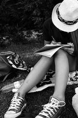 (SergioAntuanelli) Tags: girl hat pen chica converse letter sombrero carta bolgrafo