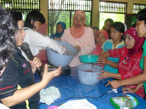 Pelatihan Cara Membuat Syrup Aneka Rasa untuk Jualan. Kursus Tristar: 085731051010.