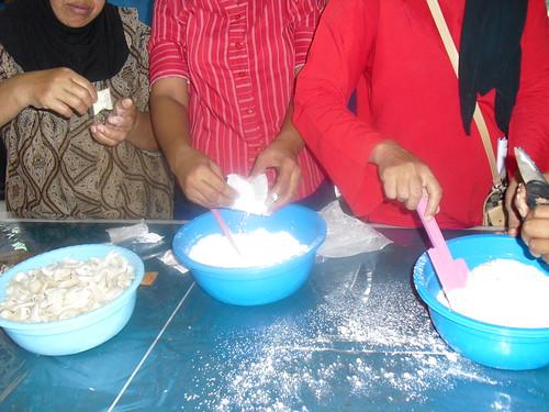 Pelatihan Cara Membuat Tepung Ayam Goreng