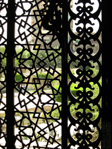 Through the window - Masjid Al Rifai مسجد الرفاعي / Cairo / Egypt - 08 05 2010