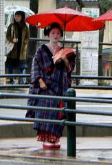 P1060914 (kansaikate) Tags: rain japan theatre maiko kabuki kimono umbrellas minamizawa