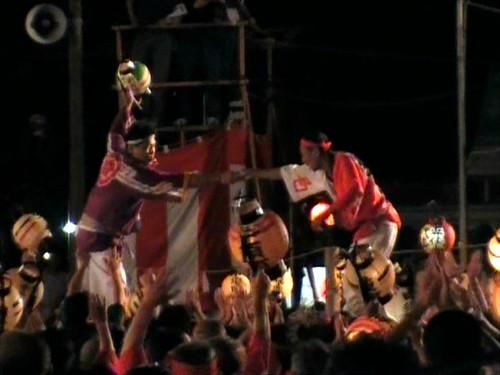 祇園祭 2010 けんか神輿 握手で終了 画像