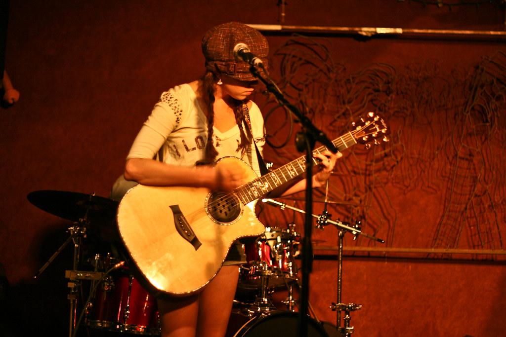 a14e3c4b5 Melissa Savcic @ Rudyards (melissa.savcic) Tags: show chris pub berry texas