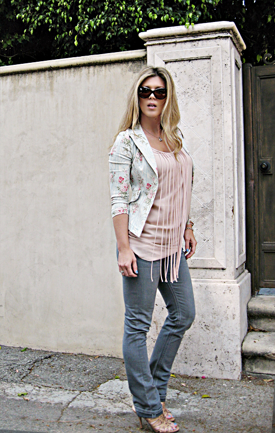 tom ford anouk sunglasses+floral blazer+leyendecker fringe nude dress+gray jeans+cut out heels