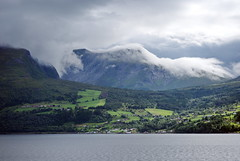 Pkledd -|- Dressed (erlingsi) Tags: mountains nature norway clouds skyscape landscape europe oc paysage dressed volda skyer fjell blfjell landskap erlingsi erlingsivertsen pkledd