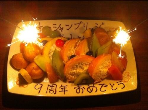 なんと!豚組しゃぶ庵さんで、サプライズの花火付きデザートが!オーシャンブリッジの九周年記念!全然予想してなかったのでビックリ、ビックリ、ビックリ。。。(涙) @hitoshi さん、ありがとうざいます!(涙涙涙)